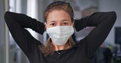 Muuntunut koronavirus tarttuu herkemmin – THL suosittelee nyt yli kahden metrin turvaväliä