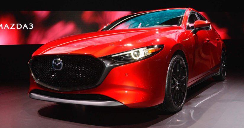 Mazda toi neljännen sukupolven Mazda 3:n näytteille Los Angelesissa kuukausi sitten.