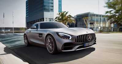 Mercedes-AMG kehittää neliovista urheiluautoa