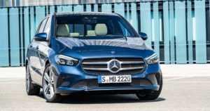 Mercedes ei luovu tila-autosta – uusi B-luokka haastaa crossoverit entistä sporttisemmalla otteella