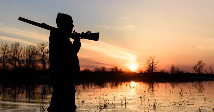 Metsästyskavereiden ja ensihoitoyksikön elvytystoimenpiteistä huolimatta sorsastaja menehtyi.