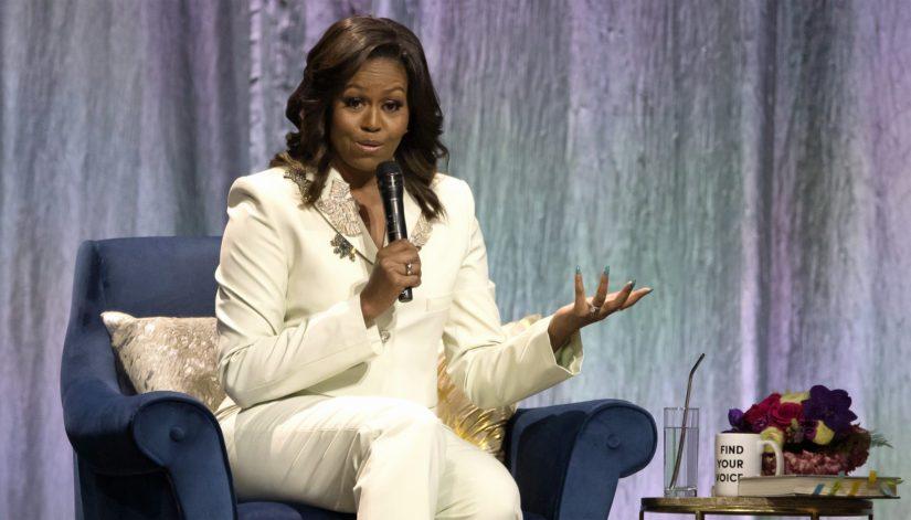 Michelle Obama on kantanut erityistä huolenpitoa vähävaraisten ja värillisten lasten, etenkin tyttöjen itsetunnosta ja koulunkäynnistä.