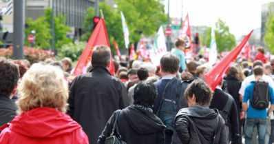 Suomalaiset haluavat vaikuttaa yhteiskuntaan – kunhan se käy helposti ja kotoa käsin