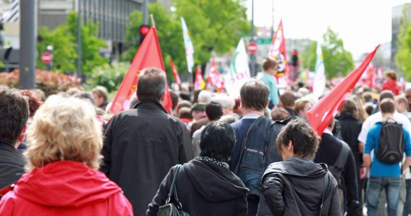 Kolmannes vastanneista olisi valmis osallistumaan mielenosoitukseen päättäjien painostamiseksi.