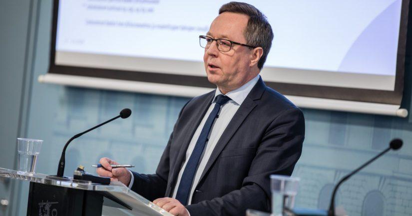 – Tarvitsemme suoraa toimialariippumatonta kustannustukea yritysten toiminnan varmistamiseen lyhyellä aikavälillä, sanoo elinkeinoministeri Mika Lintilä.