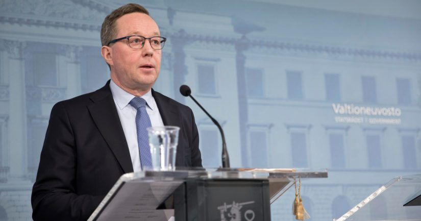 Valtiovarainministeri Mika Lintilä sanoo tavoitteena olevan ihmisten luottamuksen vahvistaminen tulevaisuuteen.