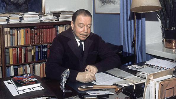 Mika Waltarin Sinuhe egyptiläinen on yksi suomalaisten suosikkikirjoja, josta on lainattu useitakin käsitteitä ilmaisuumme.