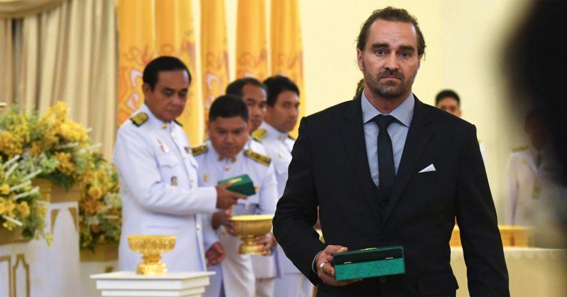 Suomalainen sukeltaja Mikko Paasi palkittiin korkealla thaimaalaisella kunniamerkillä.