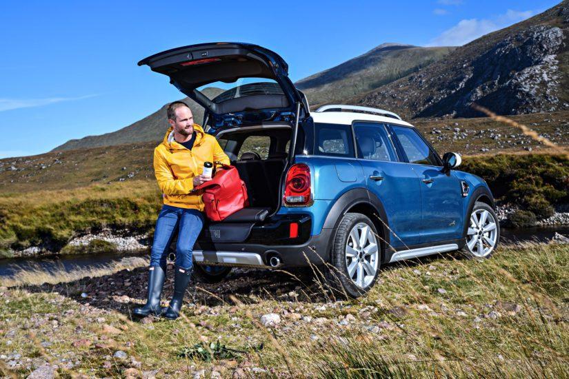 Countrymanissa on otettu huomioon, että liikutaan oikeasti maaseudulla. (Kuva BMW Group)