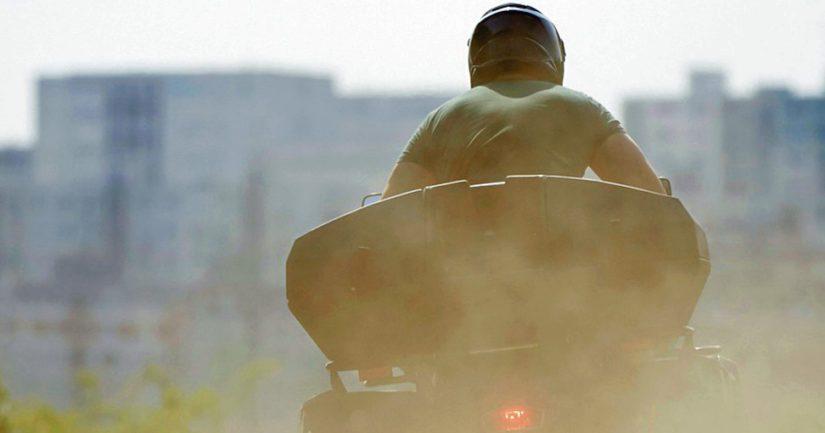 Poliisi kehottaa mönkijöiden omistajia huolehtimaan ajoneuvojen turvallisesta säilytyksestä.