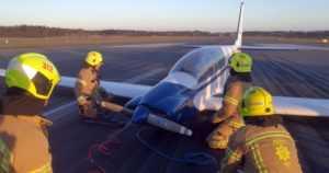 Moottoripurjekone teki hätälaskun Turun lentoasemalle – teknisen vian syytä selvitetään