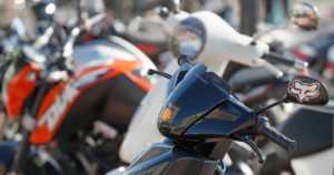 Mopoja viritetään yhtä tehokkaiksi kuin moottoripyöriä – poliisi muistuttaa vanhempien vastuusta