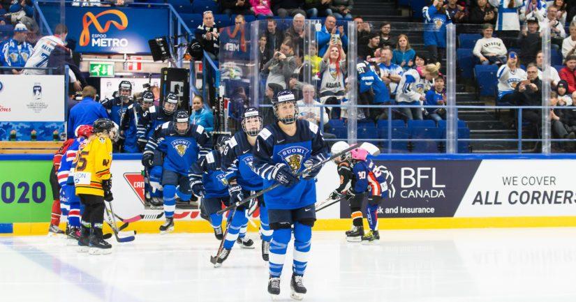 Suomi oli alkulohkonsa kolmas voitettuaan kaksi ottelua ja hävittyään kaksi.