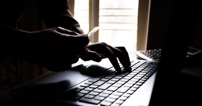 Huijarit saattavat pyytää myös luottokortin tietoja tai kuvia ajokortista.