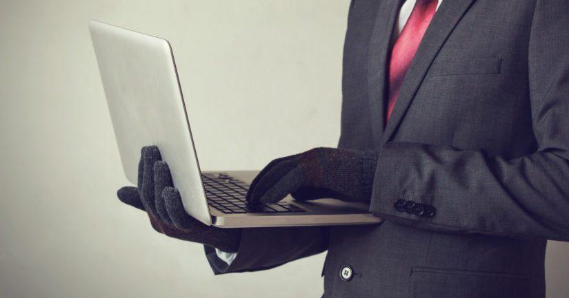 Huijari vakuutti maksujen oikeellisuuden muun muassa käyttämällä väärennettyä sähköpostia