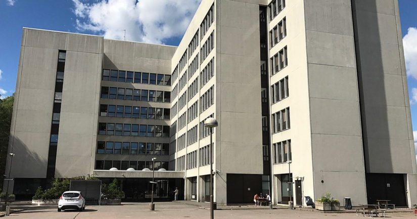 Nihtisillan vastaanottokeskus on yksityisen Luona Oy:n ylläpitämä aikuisten turvapaikanhakijoiden vastaanottokeskus Espoon Kilossa.