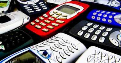 Palaavatko suomalaiset matkapuhelinten suosikkimerkkiinsä?