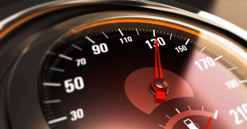 Toiselle kuljettajalle mitattiin nopeudeksi 210 kilometriä tunnissa ja toiselle 200 kilometriä tunnissa.