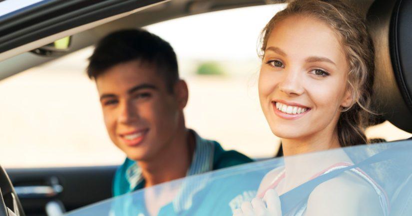 Nuoret kuljettajat havaitsevat tapahtumia liikenteessä jopa noin 2–3 sekuntia vanhempia ikäryhmiä nopeammin.