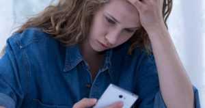 """Nuorilla on haasteita tämän päivän kansalaistaidoissa – """"Se, että on syntynyt digiaikana ei takaa digitaitoja"""""""