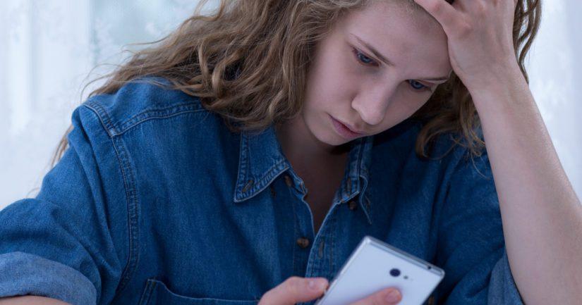 Lasten ja nuorten puhelimeen voi ottaa yhteyttä mistä aiheesta tahansa.