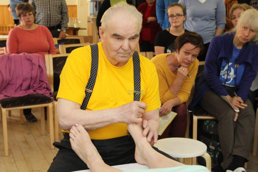 Nykyinen Kalevalainen jäsenkorjaus on Olavi Mäkelän kehittämä mobilisaatiohoito. Hoitaminen perustuu käden aistimusten kehittämiseen.