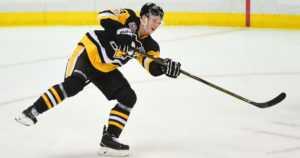 Olli Määttä aloitti NHL:n suomalaispelaajien maalinteon – Komaroville erikoinen rangaistus