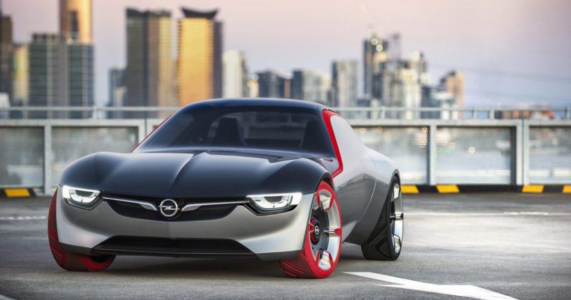 Uutta GT:tä enteilevä konsepti toimi Opelin osaston vetonaulana viimekeväisessä Geneven autonäyttelyssä.