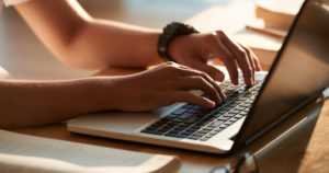 Työttömällä mahdollisuus opiskella työttömyysetuutta menettämättä – töihin oltava silti valmis