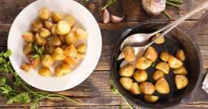 Ensin kiellettiin päiväkotilasten puurosämpylät – nyt ylijääneitä perunoita ei saisi paistaa koululaisille