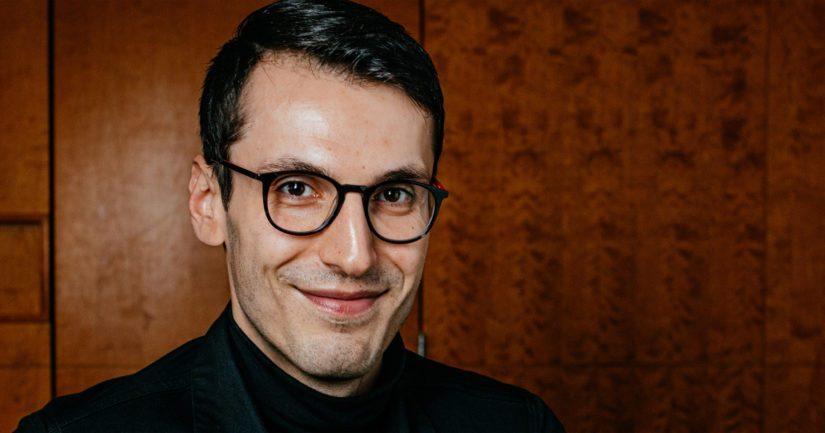Pajtim Statovci on kaikkien aikojen nuorin kaunokirjallisuuden Finlandia-palkinnon voittaja.