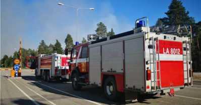 Lapissa palaa metsää rajan molemmin puolin – suomalaiset paloautot ylittivät valtakunnanrajan Venäjälle