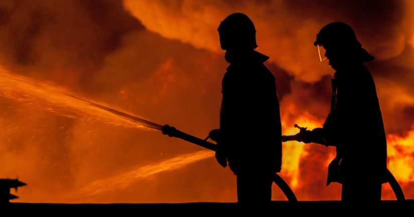 Sammutustöihin on osallistunut 15 pelastuslaitoksen yksikköä.