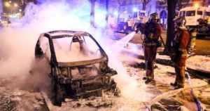 Venäjän trollien väitetään yllyttävän keltaliivejä väkivaltaan – protestit jatkuvat Ranskassa