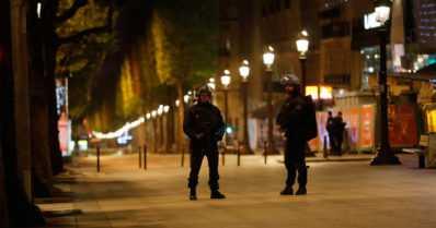Pariisissa iskettiin liikennevaloissa – hyökkääjä surmasi ampumalla poliisin