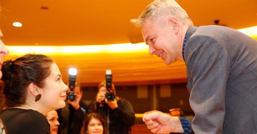 Emma Kari ehti vielä viimeisimpänä kieltäytyä ehdokkuudesta, Pekka Haavisto valittiin puheenjohtajaksi murskaluvuin.