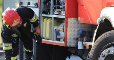 Henkilöauto ajautui aamuyöllä ulos tieltä ja syttyi palamaan – yksi henkilö menehtyi