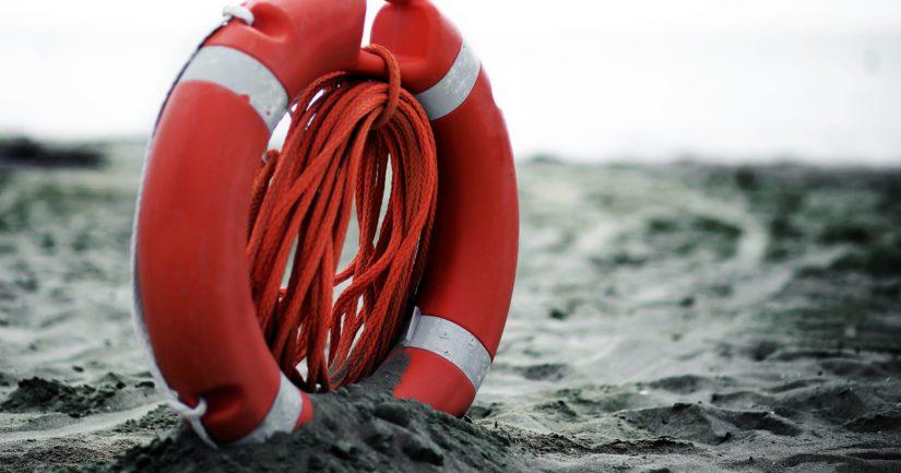 Poliisi ja pelastuslaitos saivat viikonvaihteessa useita ilmoituksia veden varassa olleista tai kadonneista henkilöistä.