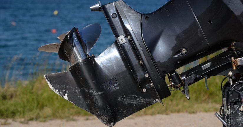 Uhri joutui veneen alle, jolloin potkuri silpoi miehen jalkaterän.