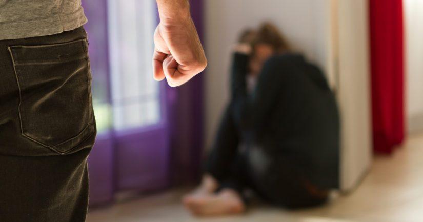 Lähisuhdeväkivalta on luonteeltaan piilorikollisuutta, joka yleensä tulee poliisin tietoon vasta kun sitä on jatkunut jo pidemmän aikaa.