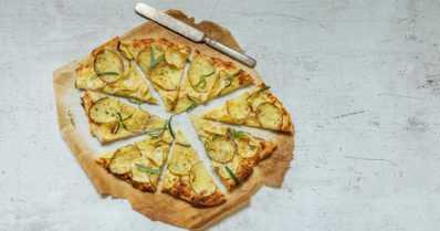 Juuresten kalpea kuningas on paahdettuna parhaimmillaan – miten maistuisi peruna-palsternakkapizza?
