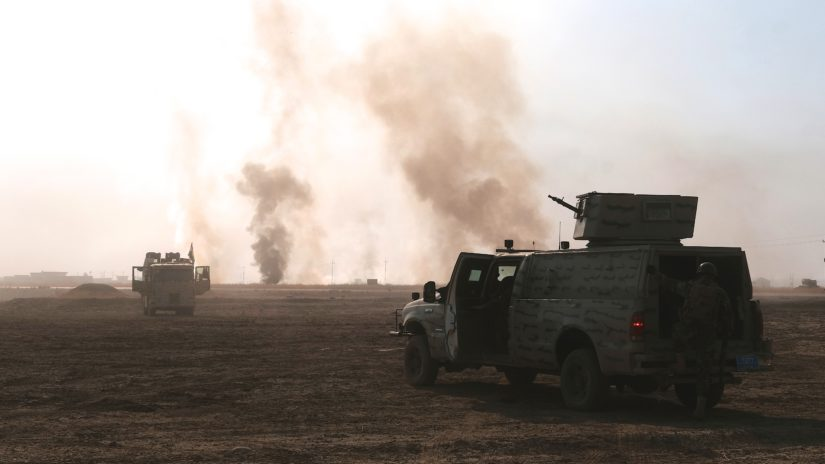 Peshmerga-taistelijat ovat saavuttaneet päivän tavoitteensa, savuava Mosul on näköpiirissä. (Kuva AOP)