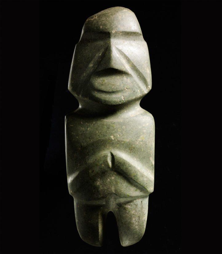 Ihmishahmoinen pienoisveistos, Mezcalan kulttuuri, Guerreron osavaltio, Meksiko, Esiklassisen kauden myöhäisvaihe, 300–100 eaa. Dioriitti.