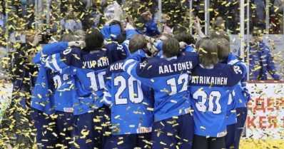Pikkuleijonat taistelivat jääkiekon MM-kultaa – huikea trilleri ratkesi vasta loppuhetkillä