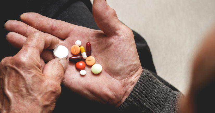 Kun käytössä on useita lääkkeitä, voi kotona olla vaikeuksia lääkityksen hallinnassa.