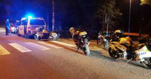 Kolme kuljettajaa lähti poliisia karkuun valvontaiskuissa – häiriköineitä teinejä vietiin myös poliisiasemalle