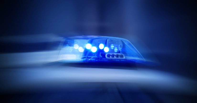 Poliisin pysäyttäessä autoa, ajaja lähti karkuun ajaen huomattavaa ylinopeutta.