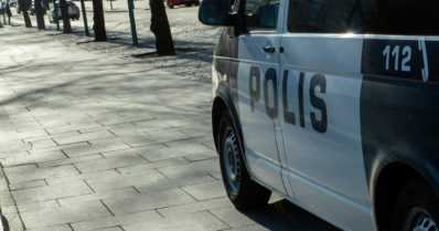 Aggressiivinen näpistelijä pakeni autolla pyöräteitä ja kävelykatuja – vaarallinen pakomatka aamuyöllä