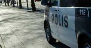 Kolme autoa paloi yöllä Helsingissä ‒ poliisi ei ole toistaiseksi tavoittanut tekijää