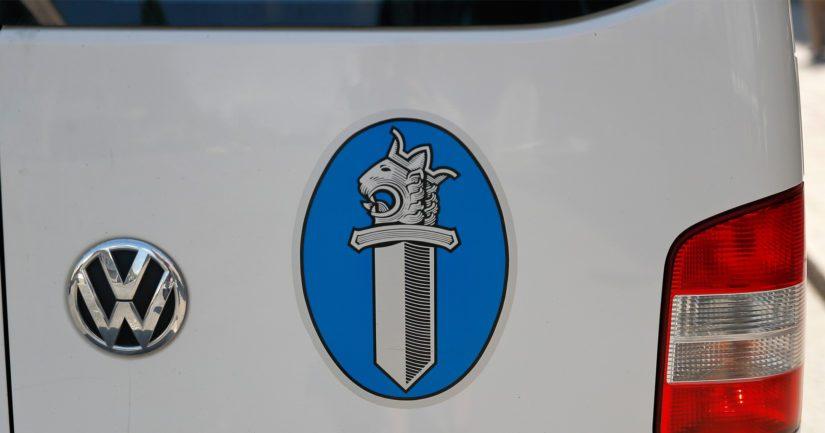 Alaikäistä kuljettajaa epäillään kulkuneuvon kuljettamisesta oikeudetta.